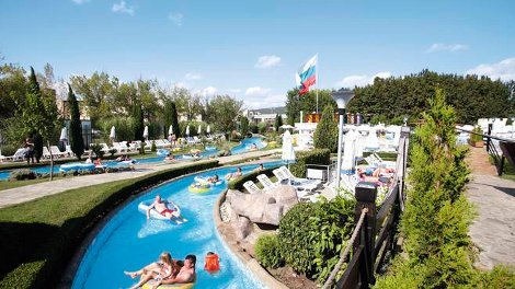 The lazy river at Aqua Nevis Clubhotel in Bulgaria
