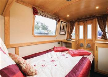 Boating holidays on Louisa (BH2424) from Clifton Cruisers (Stoke), Rugby