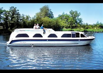 Boating holidays on Sapphire Emblem (BH1835) from Ferry Marina, Norwich