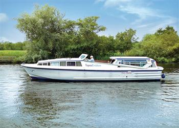 Boating holidays on Topaz Emblem (BH1768) from Ferry Marina, Norwich