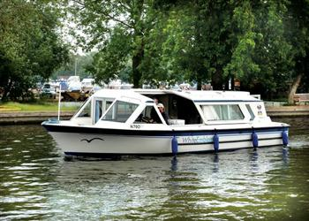 Boating holidays on White Emblem (BH1727) from Ferry Marina, Norwich