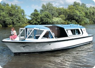 Boat hire on the Norfolk Broads - Brundall