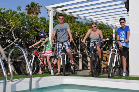 Cycling with the family on Lanzarote