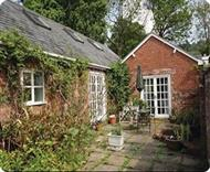 Acanthus Cottage in Powys