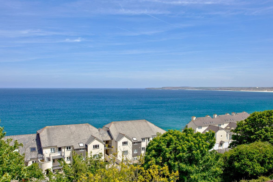 Fairsky has views of the sea at Carbis Bay
