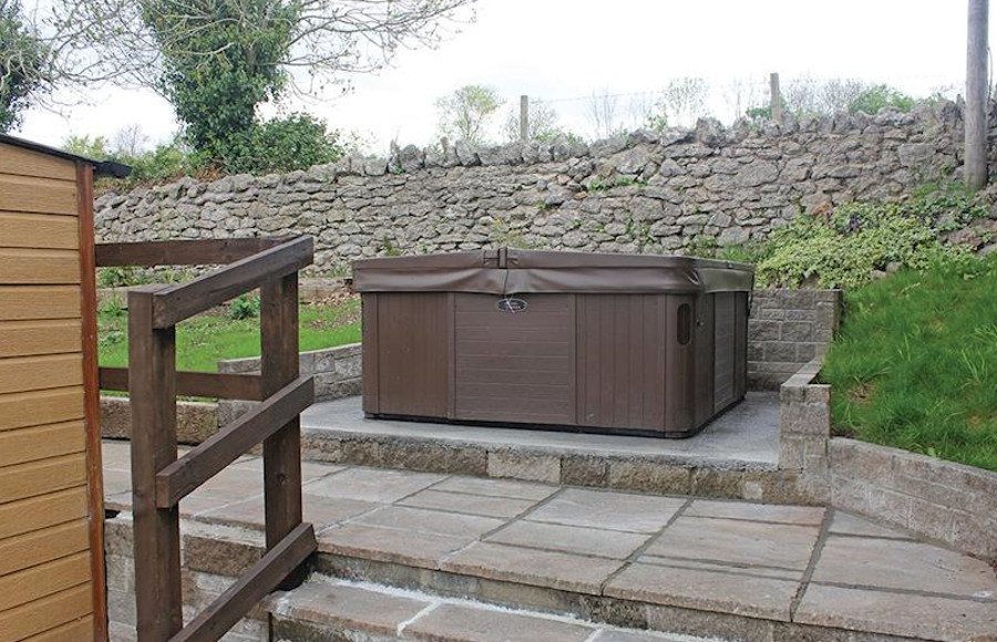 The lodges and some of the caravans at Bucklegrove Holiday Park have a private hot tub