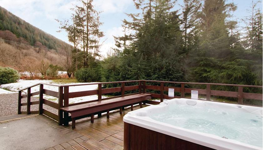 The Struan Cottage at Great Glen Cottages has a private outdoor hot tub