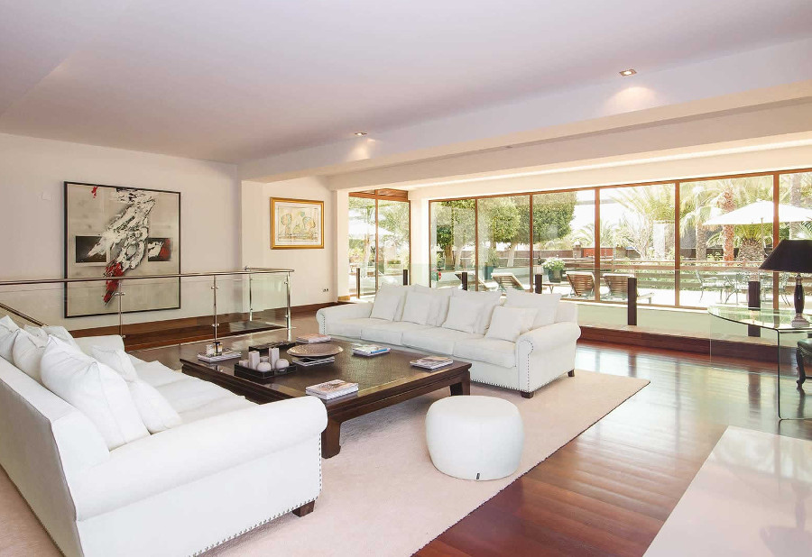 The living room at Villa Palmeras in Puerto Calero